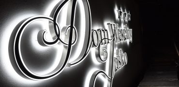 2 SIDED LIGHTED LETTERS