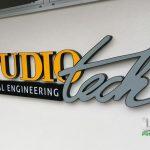 Studio tech litery 3D